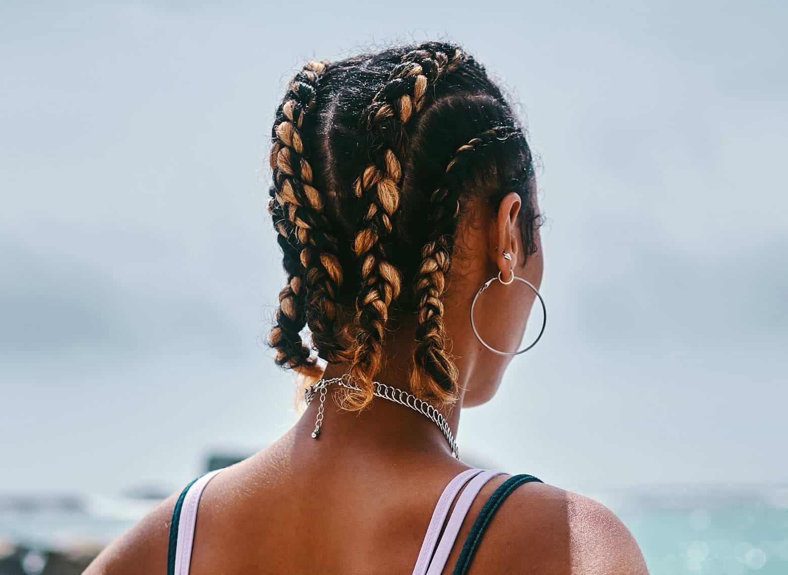 woman with chunky cornrows