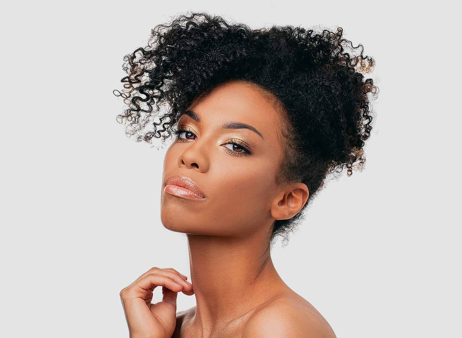 woman with frohawk