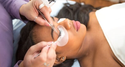 How To Remove Eyelash Extensions in 4 Simple Steps